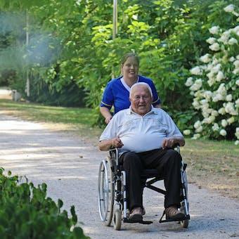 Alle antwoorden op je vragen over ouderenzorg!